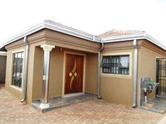 4 Bedroom House For Sale in Protea Glen, Soweto, South Africa for ZAR 980,000... - YouTube Cheap House Plans, Simple House Plans, 5 Bedroom House Plans, House Floor Plans, House Plans South Africa, Flat Roof House, Built In Cupboards, Architectural House Plans, Cheap Houses
