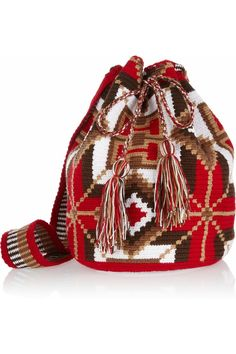 Shop for Mochilla hand-woven cotton shoulder bag by Wayuu Taya Foundation at ShopStyle. Diy Crochet Bag, Knit Crochet, Mochila Crochet, Boho Bags, Tapestry Crochet, Summer Bags, Clutch, Bucket Bag, Purses And Bags
