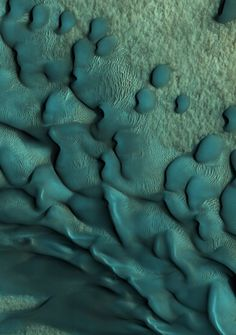 Infinity Imagined: textures on Mars