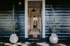 Stunning Sunday: Cool, contemporary living with a nostalgic, authentic edge Mountain Cottage, Hanging Chair, Sweet Home, New Homes, Ceiling Lights, Contemporary, Mirror, Cool Stuff, Fall