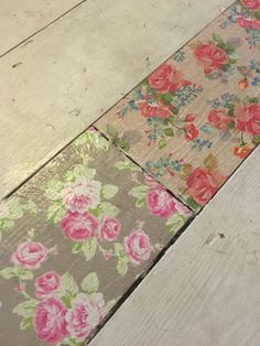 Decoupage floorboard Decoupage Wood, Decoupage Furniture, Repurposed Furniture, Painted Furniture, Shabby Chic Cabin, Shabby Chic Farmhouse, Diy Wood Floors, Painted Floors, Craftsman Home Decor