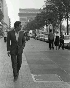 Rendezvous With Marcello Mastroianni In Paris Paris septembre 1977 rencontre… Marcello Mastroianni, Classic Hollywood, Old Hollywood, Louvre Paris, Paris Paris, Glamour Photo, Actrices Hollywood, Classic Movie Stars, Italian Beauty