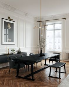 Dining-room established the stage for numerous special events, so why not create a deserving background? Find ideas with these bold dining room paint colors ideas. #diningroom#paint#colors#ideas#kitchen#island#cabinet