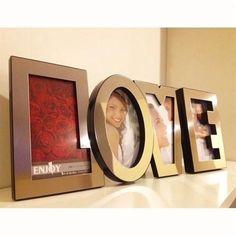 """Aşkın her harfini fotoğraflarınızla donatabileceğiniz LOVE fotoğraf çerçevesi sayesinde """"bana hiç romantik sürpriz yapmıyorsun"""" diye yakınan sevgilinize unutamayacağı bir yeni yıl hediyesi vermiş olacaksınız. Ürün detayları için: http://www.hediyedenizi.com/hediye/love-photo-frame-love-fotograf-cercevesi-paslanmaz-celik/"""