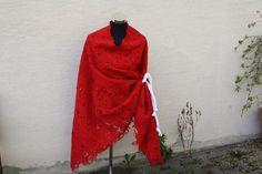 Capes & Ponchos - Poncho Mode rot Borte Herz weiß Spitze - ein Designerstück…