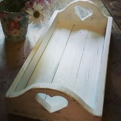 Shabby chic tray upcycled pallet project
