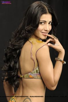 Super Sexy Shruti Hassan Hot Navel and Cleavage Photos