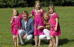Los príncipes de Orange dan la bienvenida a las vacaciones de verano con unas divertidas imágenes junto a sus hijas...so adorable family.