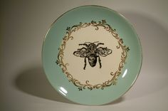 Honey Bee Vintage dishes... Honey display