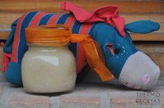 Unos potitos de pera que gustarán a los más pequeños de la casa. Se preparan con ingredientes naturales y con muy poco esfuerzo por nuestra parte.