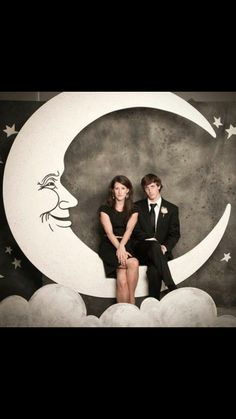 Art Deco moon for photo booth
