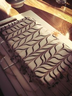 http://moroccanfood.about.com/od/dessertsandcookies/r/Mille-Feuille-Homemade-Napoleon-Recipe.htm