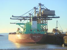 The Berge Arctic, Panama at the iron ore terminal, Port Talbot, 4 March 2006
