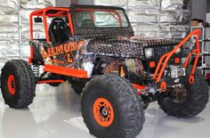 Cool Rock Crawler Jeep Wrap - Here's an awesomely cool industrial grunge jeep wrap Zilla Wraps recently finished for Diamond L Construction! Cool Wraps, Jeep Truck, Jeep Jeep, Badass Jeep, Jeep Wrangler Yj, Rc Crawler, Cool Rocks, Car Wrap, Jeep Life