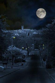 Magical Nature Tour :) - Photographer Stanley Moss ~ A beautiful moon for. Stars Night, Good Night Moon, Stars And Moon, Moon Photos, Moon Pictures, Foto Picture, Shoot The Moon, Moon Shadow, Moon Magic