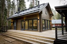 Honka log home and cabin kits are the perfect choice when you're looking for an easy and effective way to build a healthy and ecological log home. Tiny House Cabin, Cabin Homes, Log Homes, Construction Chalet, Small Cottage Homes, Rustic Home Design, Modern Farmhouse Exterior, Timber Frame Homes, Wooden House