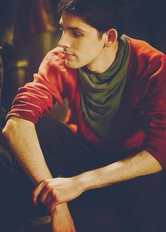 Colin Morgan (Merlin) Sorry, where did the green scarf come from?!? Never seen green scarf before...