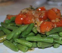 Mongeta tendra amb tomaquets