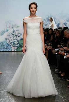 6 Wedding Dresses Inspired by Anne Hathaway's! Which Would You Wear?  : Save the Date