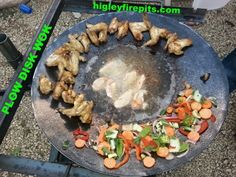 Chicken cooked on disc mexican heritage pinterest for Wok garden parrilla