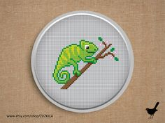 Cross stitch pattern: Green Chameleon by Zuzkica