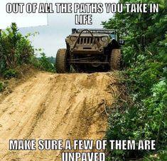 Just funny Jeep memes. Jeep Jokes, Jeep Humor, Car Jokes, Jeep Funny, Funny Cars, Really Funny Memes, Stupid Funny Memes, Funny Relatable Memes, Country Girl Life