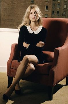 Clémence Poésy - chic and professional collared look, balanced out with undone hair French Fashion, Look Fashion, Timeless Fashion, High Fashion, Clemence Poesie, Paris Mode, French Chic, French Style, French Girls