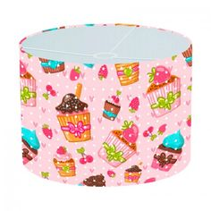 Lampenkap Cupcakes | Bestel lampenkappen voorzien van digitale print op hoogwaardige kunststof vandaag nog bij YouPri. Verkrijgbaar in verschillende maten en geschikt voor diverse ruimtes. Te bestellen met een eigen afbeelding of een print uit onze collectie.    #lampenkap #lampenkappen #lamp #interieur #interieurdesign #woonruimte #slaapkamer #maken #pimpen #diy #modern #bekleden #design #foto #cupcakes #zoet #roze #meidenkamer #meisjeskamer #roze #suikerwerk #suiker
