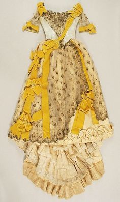 Dress (Ball Gown) Emile Pingat (French, active Date: Culture: French Medium: silk, cotton Dimensions: Length (a): 18 in. cm) Length at CB (b): 68 in. 1890s Fashion, Edwardian Fashion, Vintage Fashion, Paris Fashion, Vintage Vogue, Women's Fashion, Vintage Gowns, Mode Vintage, Vintage Outfits