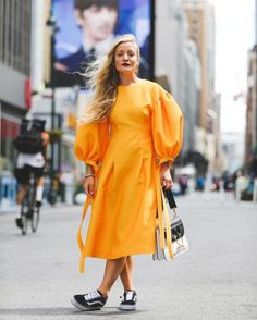 Seoul mates: meet Rejina Pyo and Jordan Bourke Iranian Women Fashion, Womens Fashion, Looks Street Style, Yellow Fashion, Dress With Sneakers, Look At You, Fashion 2020, Dress To Impress, Summer Outfits