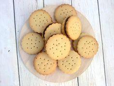 Galletas de mantequilla rellenas de chocolate/ Butter cookies filled chocolate