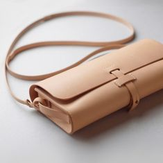 kumosha hand stitched leather shoulder bag mimi-tsuki natural