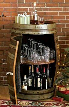 Tonel de vinho 2 porta taças e garrafas