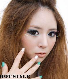 Mini Sclera Black Lenses are perfect for your favorite costume look! Black Contact Lenses, Cosmetic Contact Lenses, Ulzzang Makeup, Circle Lenses, Eye Circles, Colored Contacts, Korean Makeup, Gyaru, Geo