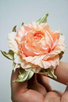 """Заколки ручной работы. Ярмарка Мастеров - ручная работа. Купить Цветы из шелка. Роза """"Эшли"""". Цветочные заколки и броши.. Handmade."""
