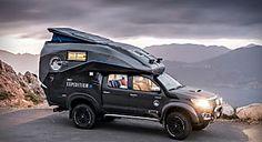 冒険写真家が作り上げた最強のキャンピングカー(ベースはトヨタ・ハイラックス)がスゴイ