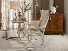 Landhausmöbel Französische Polstermöbel Tagesbett. Design Klassiker  Schaukelstuhl Weiß Holz Kissen Auflage