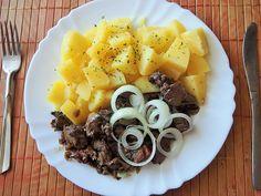 Hlavní jídla :: RECEPTY ZE ŠUMAVSKÉ VESNICE Pot Roast, Ethnic Recipes, Food, Women's Fashion, Carne Asada, Roast Beef, Fashion Women, Essen, Eten