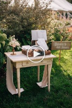 Rustic Wedding Ideas On A Budget DIY Vintage wedding backyard – Wedding İdeas Farm Wedding, Diy Wedding, Rustic Wedding, Wedding Venues, Wedding Ideas, Budget Wedding, Wedding Ceremonies, Wedding Aisles, Wedding Photos