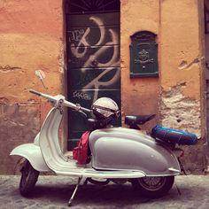 Our driver Bruno's 1960 two seater Innocenti Lambretta is beyond cool. #lambrettalove #scooteroma