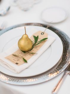 Gold pear place setting: http://www.stylemepretty.com/little-black-book-blog/2016/06/06/rustic-romantic-stylish-portuguese-wedding/ | Photography: Love Is My Favorite Color - http://www.loveismyfavoritecolor.com/