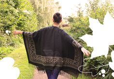 Cosy autumn companions: Scarves and ponchos