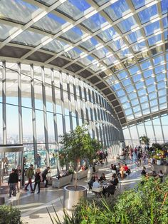 The Sky Garden in London. Located at the 'Walkie-Talkie' tower. Free entry and stunning 360 views of London Europe Travel Guide, Travel Guides, London Sky Garden, Uk Lifestyle, Free Entry, Things To Do In London, London Life, London Travel, Walkie Talkie