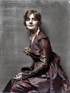This picture of actress Genevieve Lyon from 1914 was taken around the time of her marriage to the theater impresario John Murray Anderson and two years before her death from tuberculosis