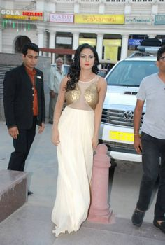 Hot Veena Malik Doing Promotion For Supermodel Movie