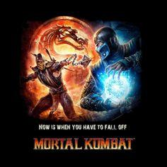 Camiseta Mortal Combat. Scorpion vs Sub-zero Camiseta con la imagen de Scorpion y Sub-zero, dos de los luchadores legendarios de la saga de videojuegos Mortal Combat.