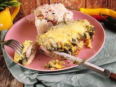 Hasselback csirkemellspenótos sajtos csirkemell egy picit az én szájízemre készítve,isteni finom a bacon és a sajt mennyei.Még így is jó nagy adag készült :) A sajt receptet ittHozzávalók:1 főreelkészítési idő:45 perc + pácolás1/2 filézettpáchoz:1 tk. dijoni mustár