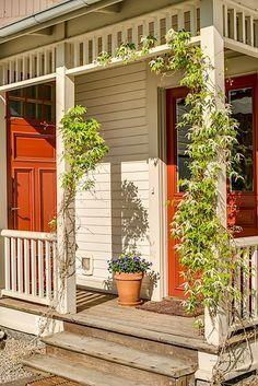 PRECIS sånhär veranda ska vi ha! Gazebo Roof, Pergola, Porches, Home Porch, House With Porch, Going Up The Country, Veranda Railing, Victorian Porch, Sweden House