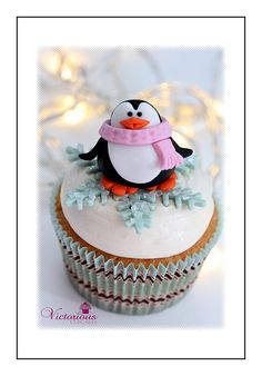 Penguin Cupcake Toppers By Victorious Cupcakes - Cupcakes Take The Cake