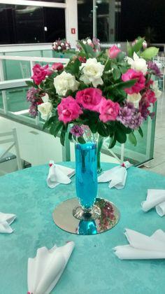 mesa arranjos florais